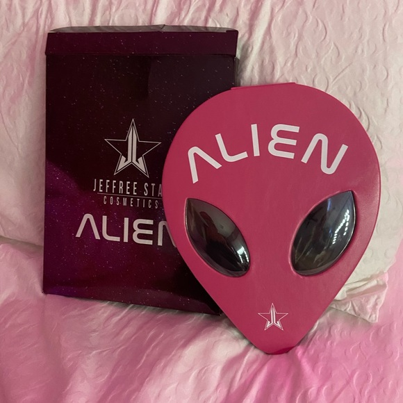 Jeffree Star Other - Discontinued Jeffree Star Alien Pallette!